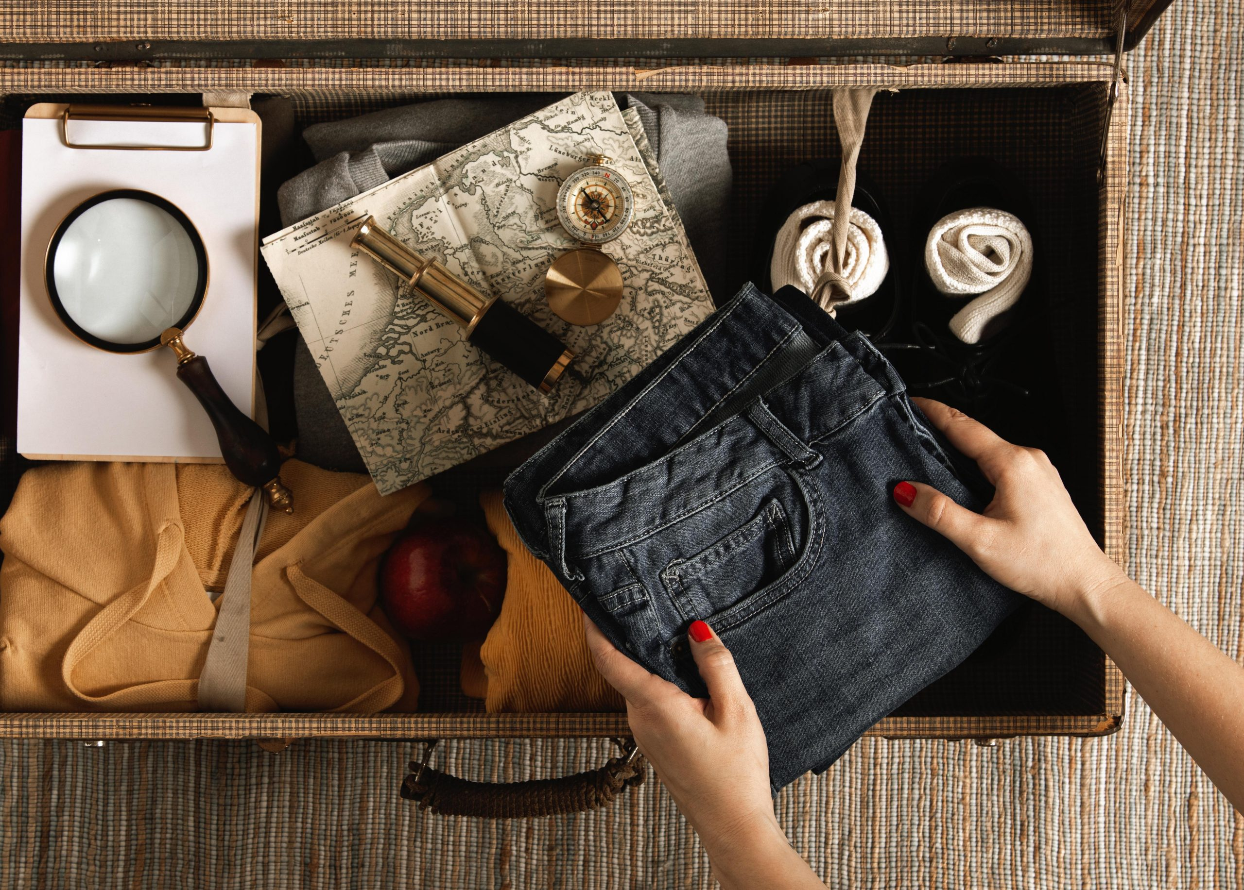 10 Must-Have Travel Essentials For A Travel Enthusiast